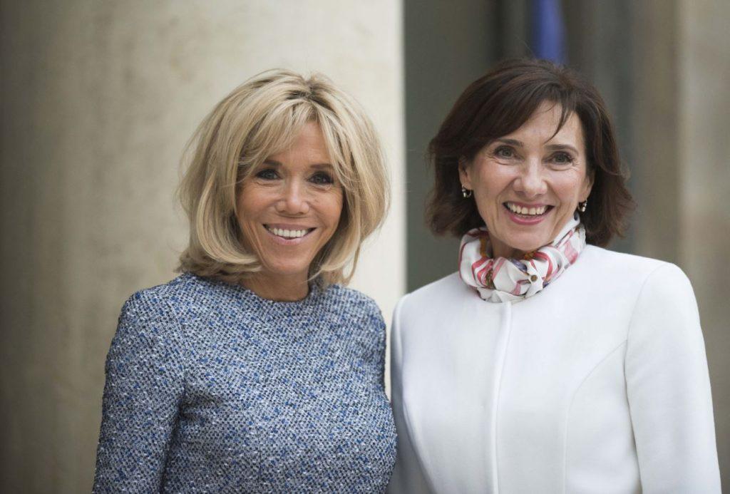 Carmen Iohannis și Brigitte Macron s-au întrecut în ținute la Paris. Detaliul observat imediat de fani