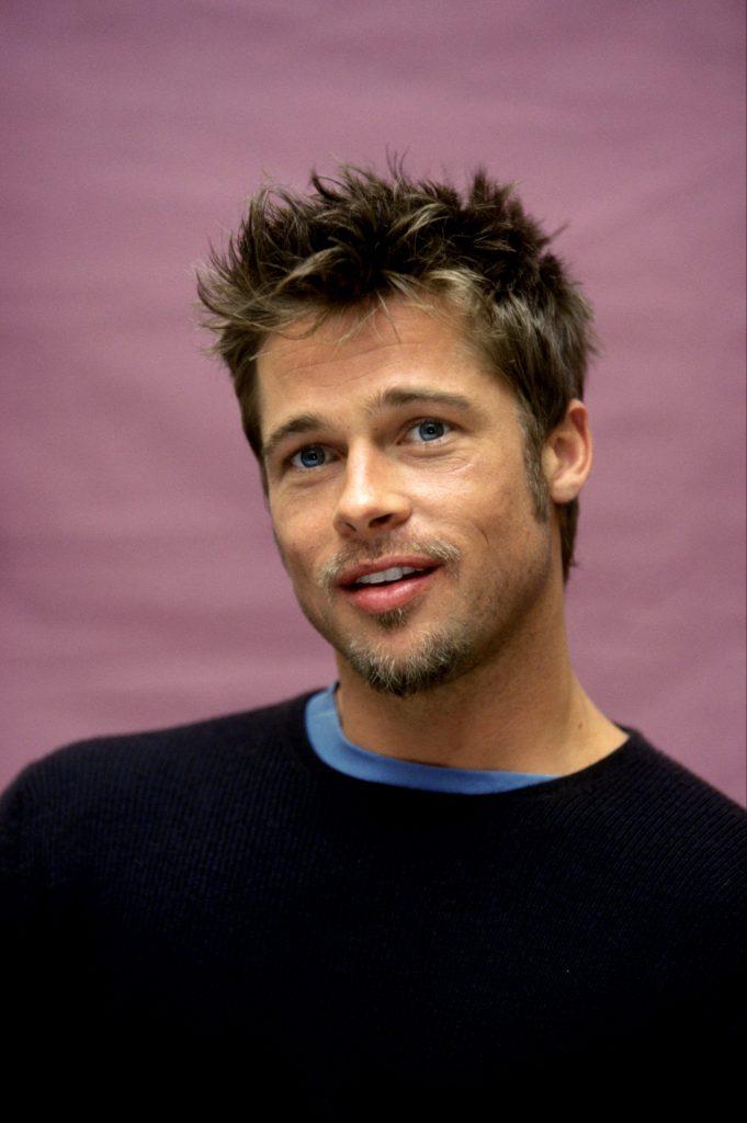 Brad Pitt se iubește cu Charlize Theron