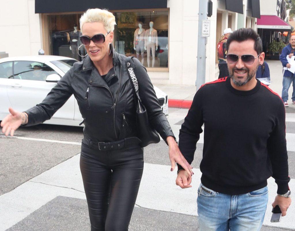 Fosta soție a lui Sylvester Stalonne, Brigitte Nielsen, model și actriță de reality show, a rămas însărcinată și a născut la 54 de ani. A adus pe lume cel de-al cincilea copil al său în iunie, o fetiță.