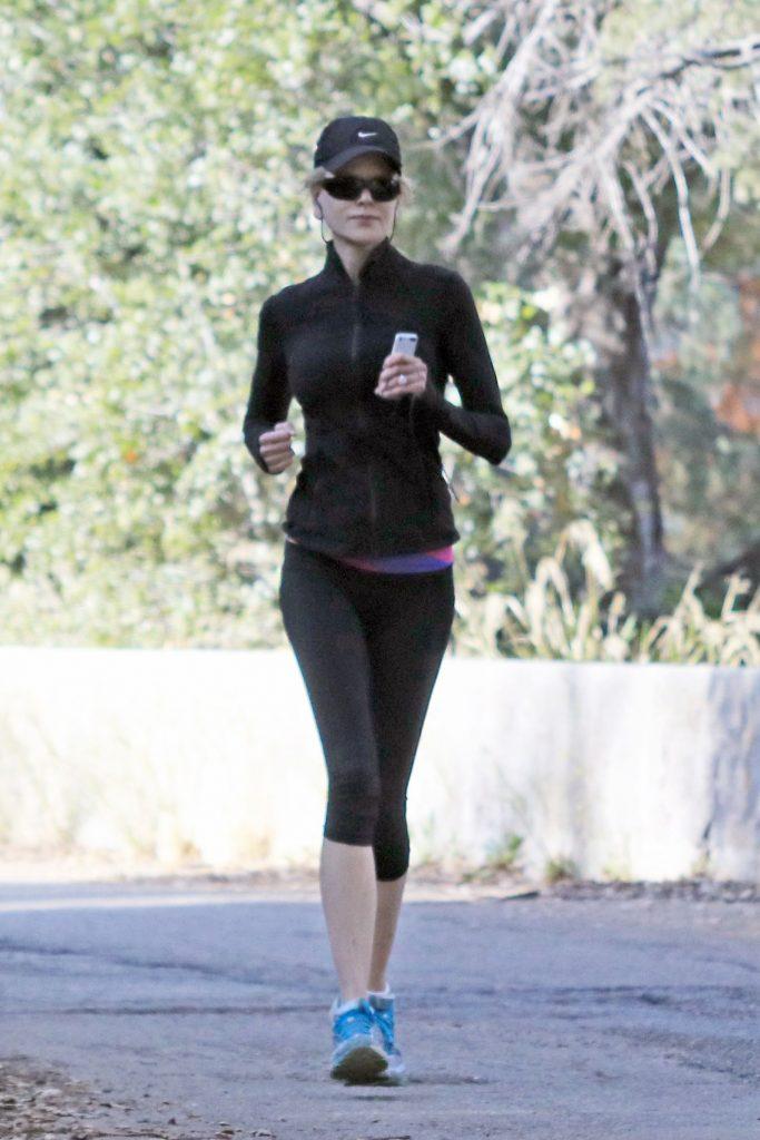 Nicole Kidman, surprinsa la jogging