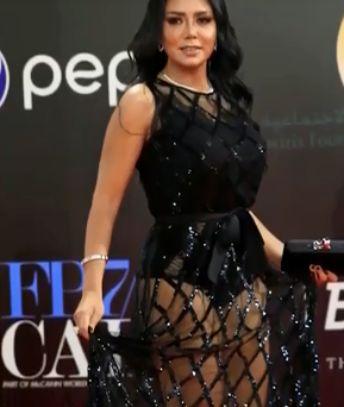rochia e considerata indecenta in Egipt