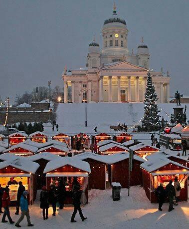 În Helsinki, spiritul Crăciunului are parte de târgul lui. Cele aproximativ 100 de standuri amenajate în apropierea străzii istorice Aleksanterinkatu, trasată de la începutul secolului XIX, sunt inspirate din tradiția finlandeză.