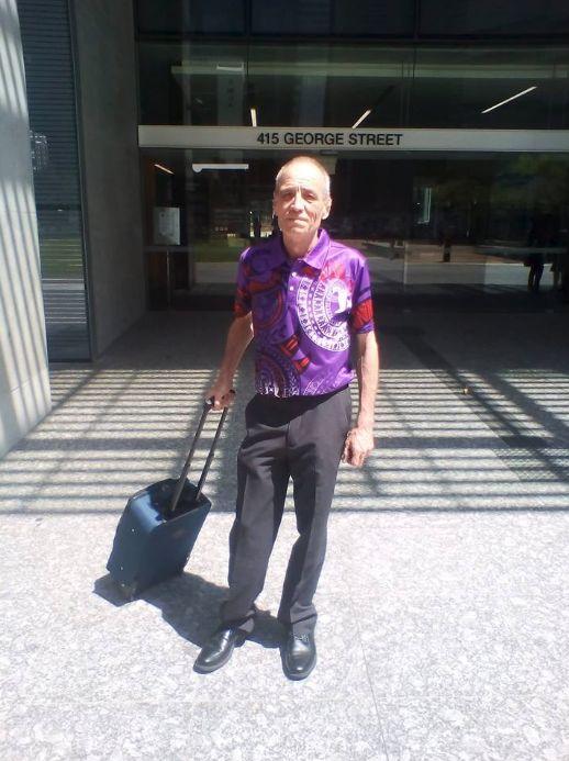 barbatul a fost adoptat din copilarie si dus in Australia