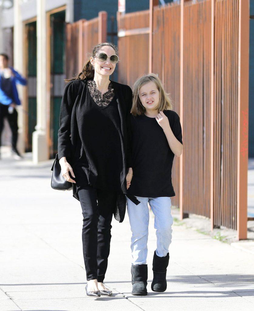 incet, incet, Angelina isi revine dupa divort