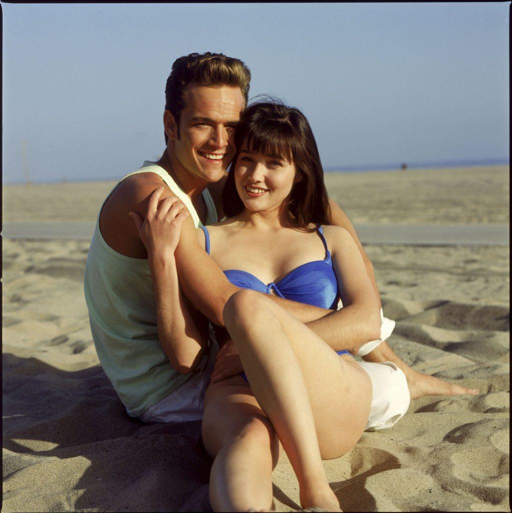 """Cum arată Brenda din Beverly Hills 90210, la doi ani de când a învins cancerul. Imaginile i-au uimit pe fani: """"Sunt norocoasă că sunt în viață..."""