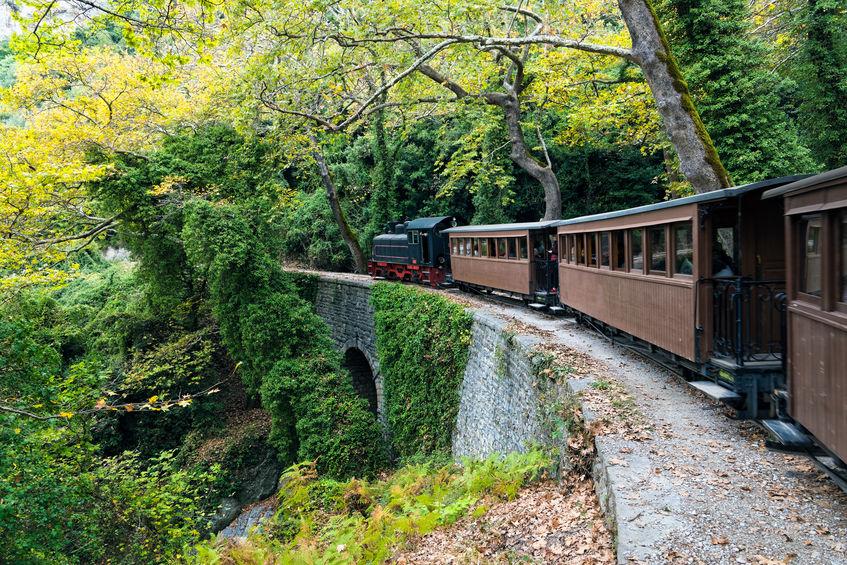 Trenul care urcă pe muntele Peleon, Grecia