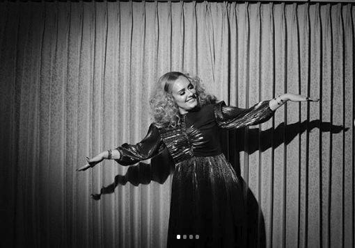 Adele a slabit