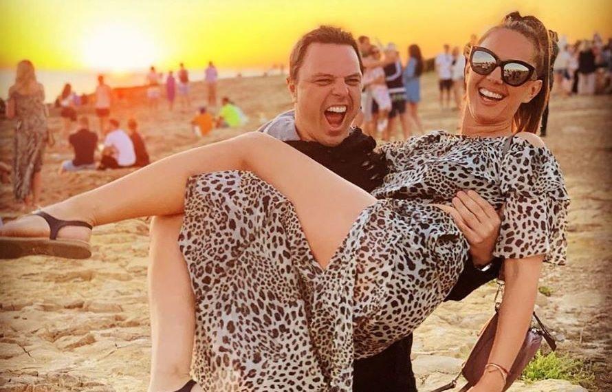 Markus Schulz, cel mai bun DJ din SUA, s-a căsătorit cu o româncă. Cine este frumoasa brunetă. Primele imagini de la nuntă