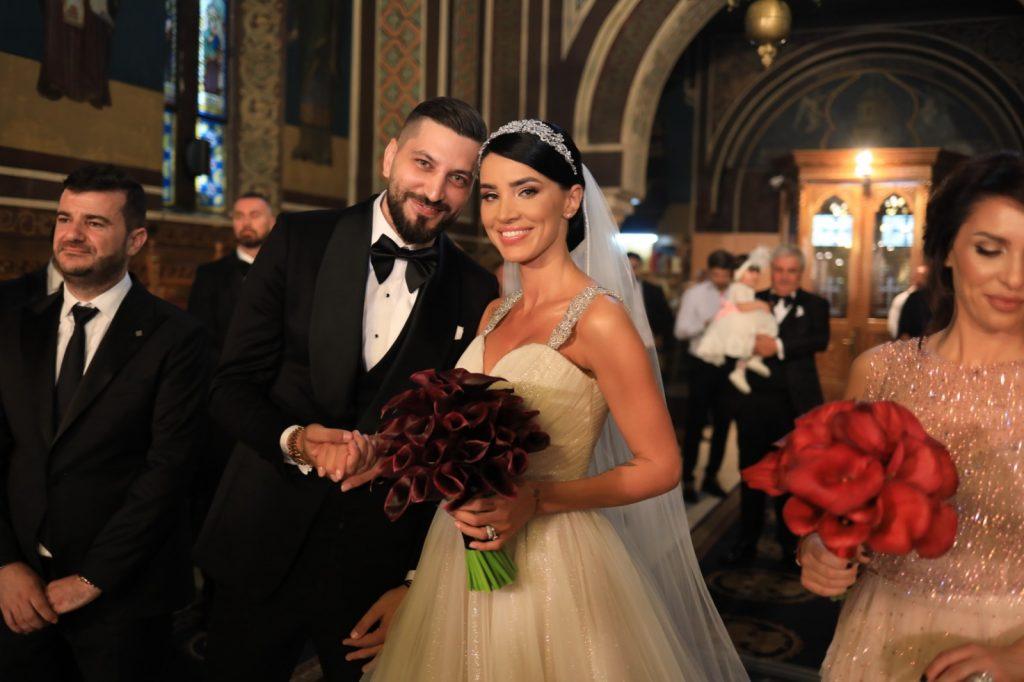 Adelina Pestrițu a confirmat zvonurile despre al doilea copil chiar în noaptea nunții! Elena Gheorghe a dat-o de gol