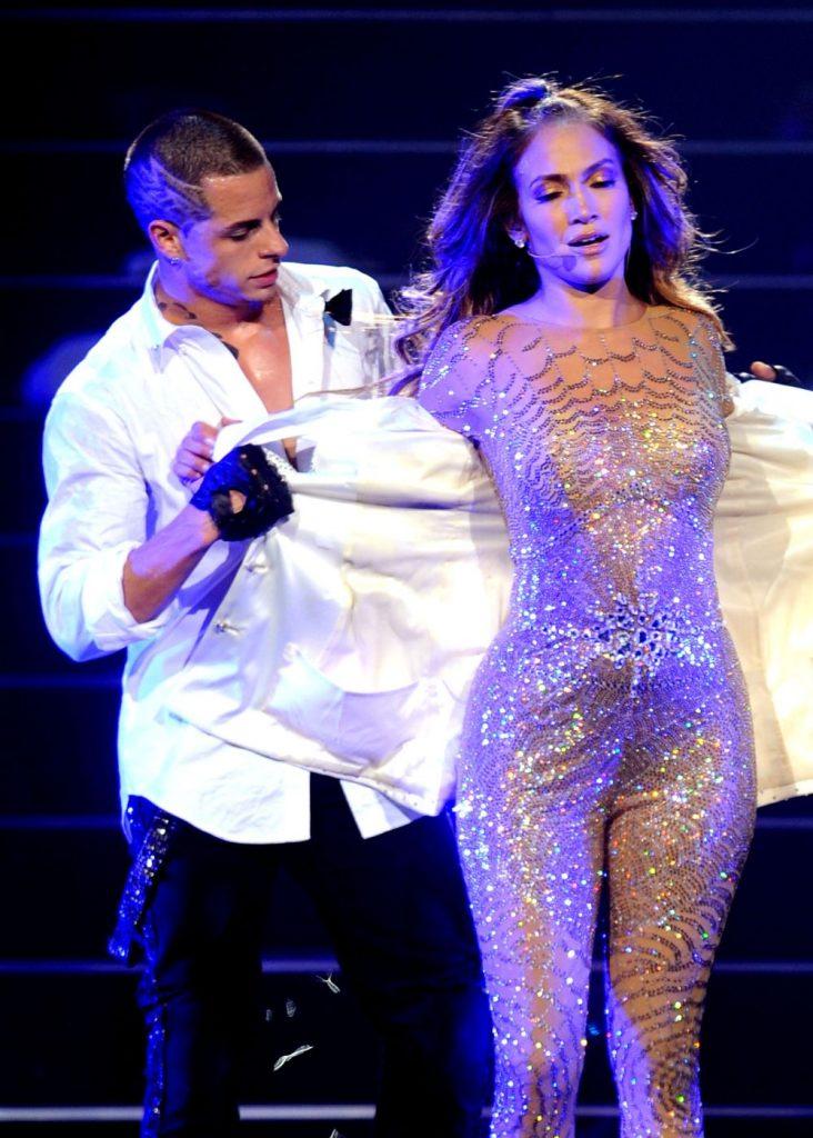 J Lo, in 2011, alaturi de iubitul de atunci, casper Smart