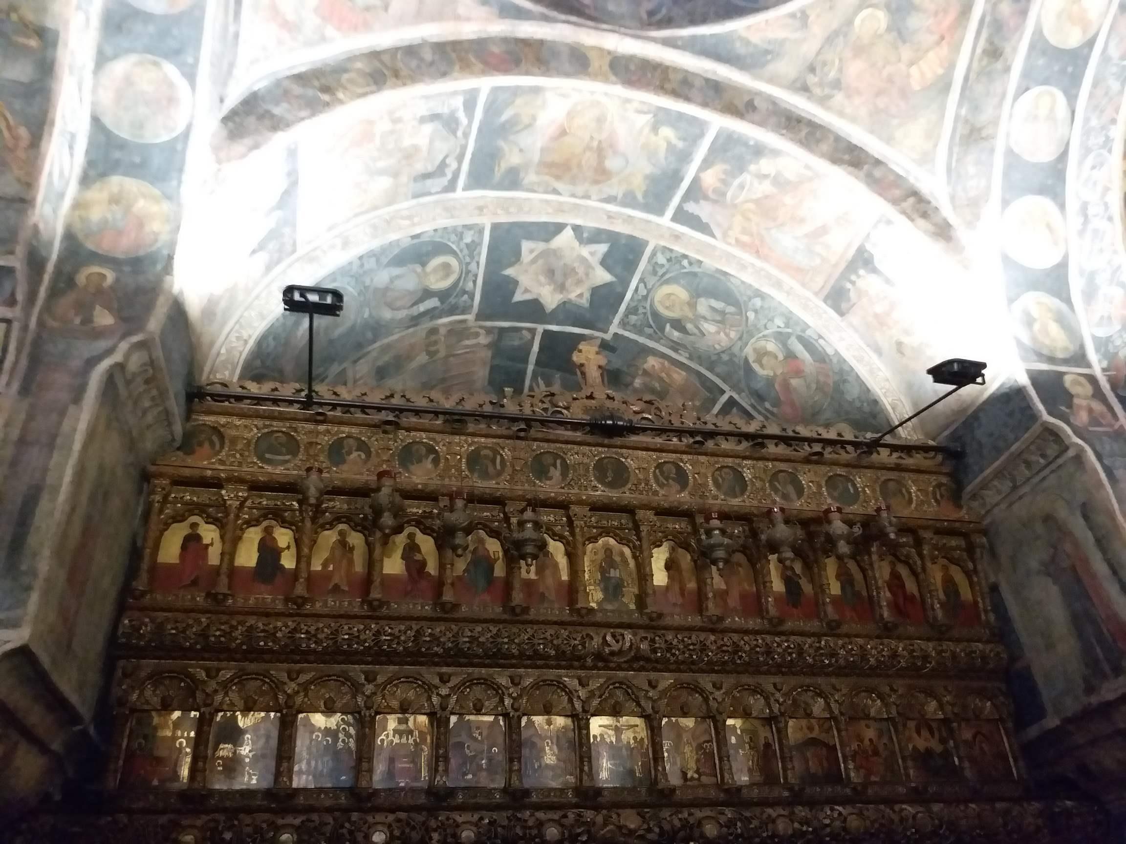 altarul bisericii Stavropoleos