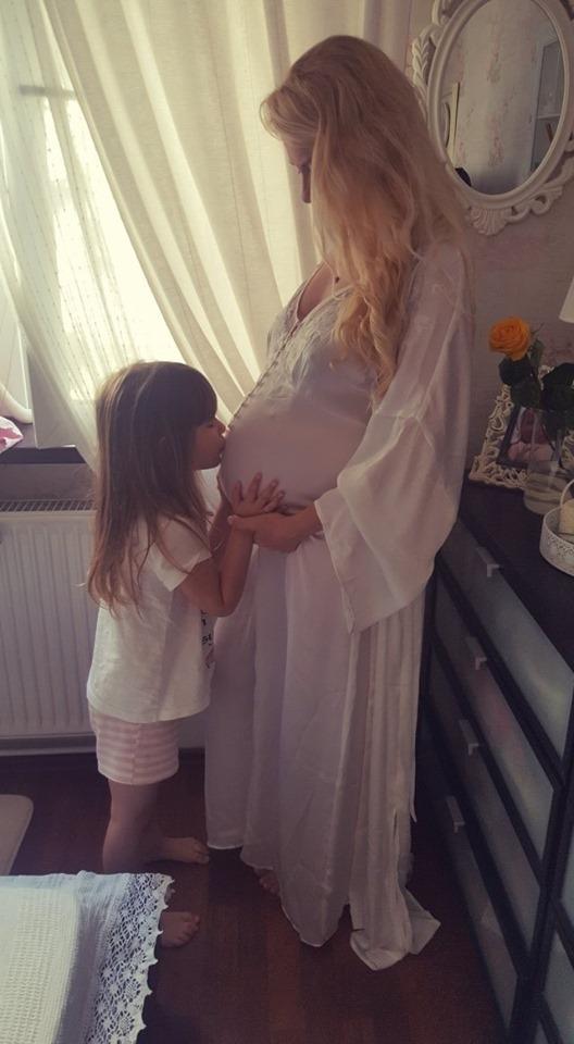 Ianna Novac a devenit mămică. A născut un băiețel