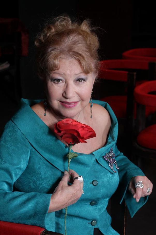 """Rodica Popescu Bitănescu împlinește 81 de ani, dar are o poveste de dragoste uluitoare. """"Pe mine mă salvează râsul și îmi încarcă bateriile..."""