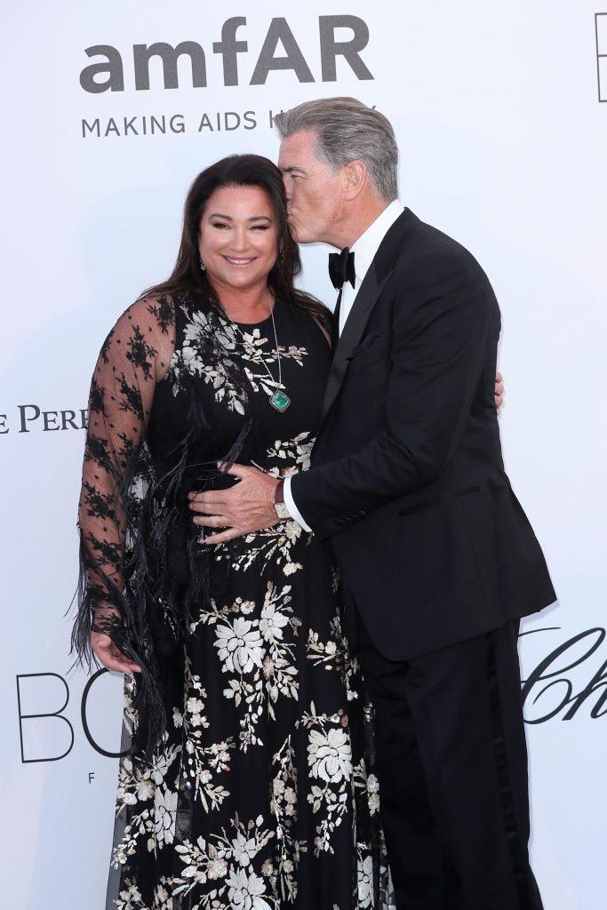 Formează un cuplu de 26 de ani, dar se iubesc ca în prima zi! Soția lui Pierce Brosnan, cea mai frumoasă declarație de iubire pentru celebrul actor