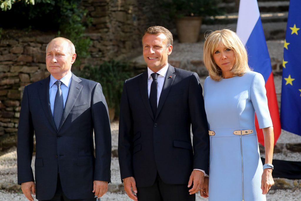 Imaginile cu Brigitte Macron care i-au îngrijorat pe fani. Ce a pățit prima doamnă a Franței