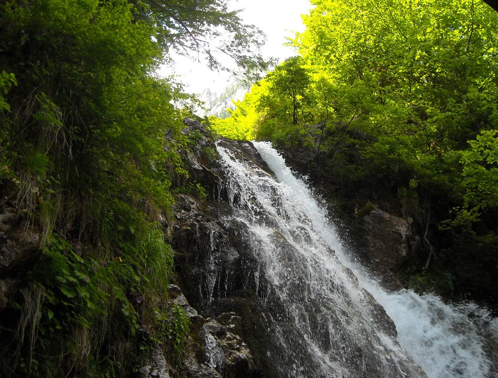 Cascada Urlătoarea din România