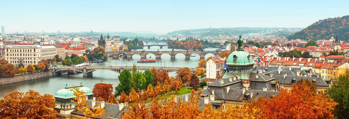 Destinații perfecte pentru un city break toamna: Praga