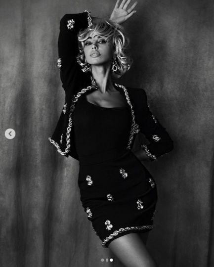 Madalina este model si actrita