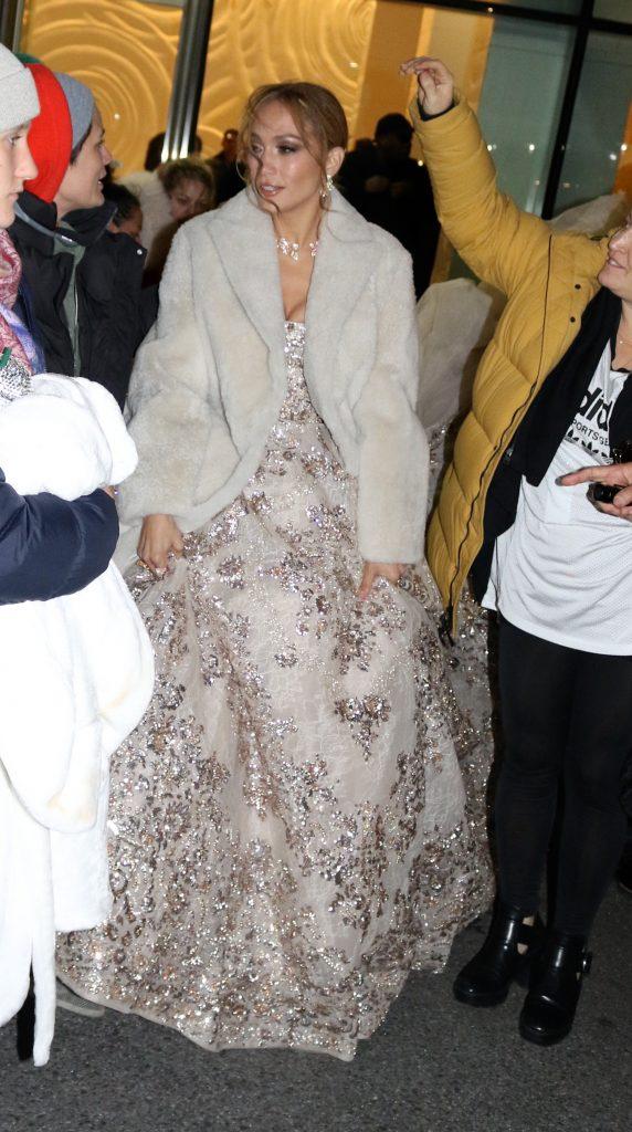 Jennifer Lopez in rochie de mireas