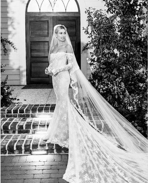 rochia a fost creata de cel aflat in spatele casei Louis Vuitton