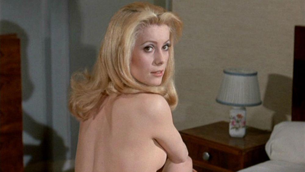 vedeta a pozat de doua ori in Playboy