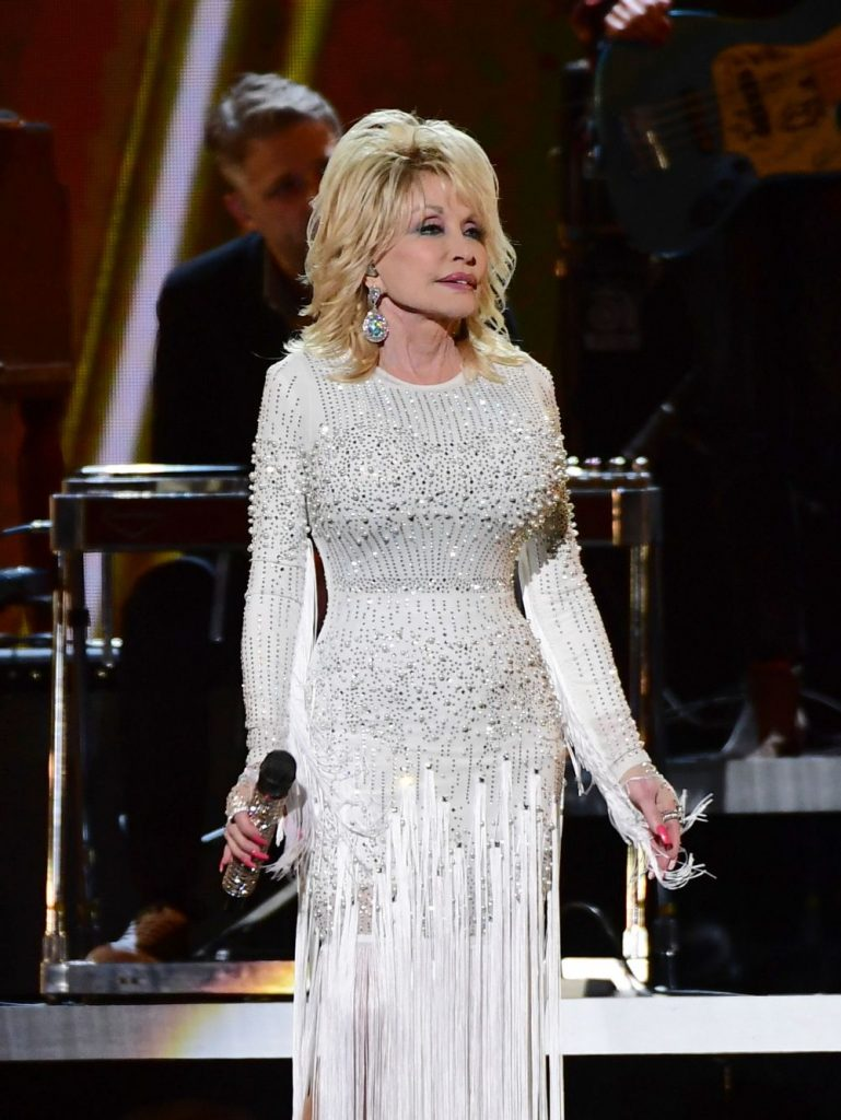 Dolly Parton e nascuta la 19 ianuarie