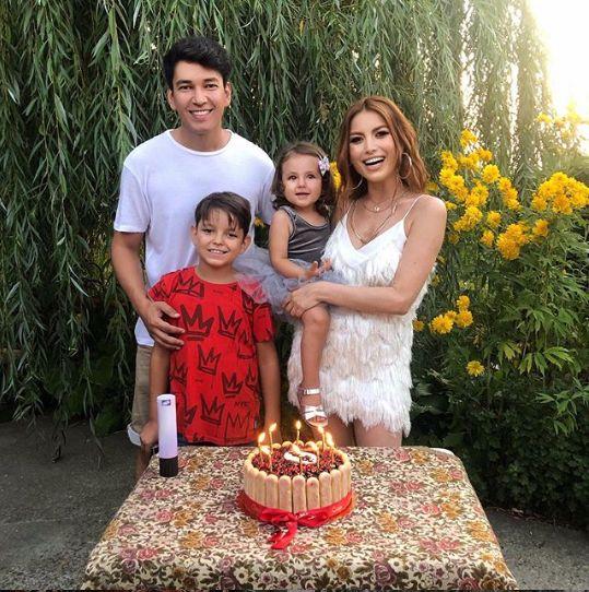 asa arata o familie fericita