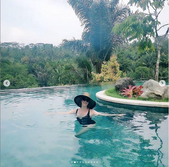 Andreea Marin, in Bali