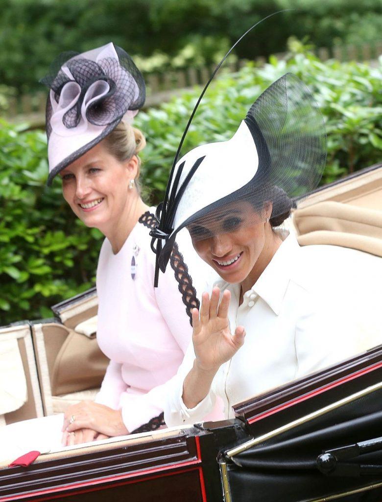 Cu cine a înlocuit-o regina pe Meghan Markle? Va prelua toate îndatoririle regale ale ducesei de Sussex