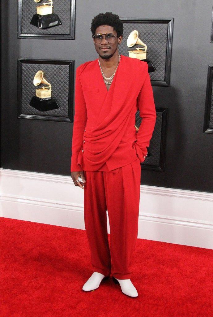 tendinte vestimentare bizare anul acesta la Grammy