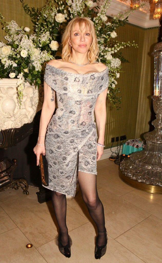 Courtney Love arata inca foarte bine