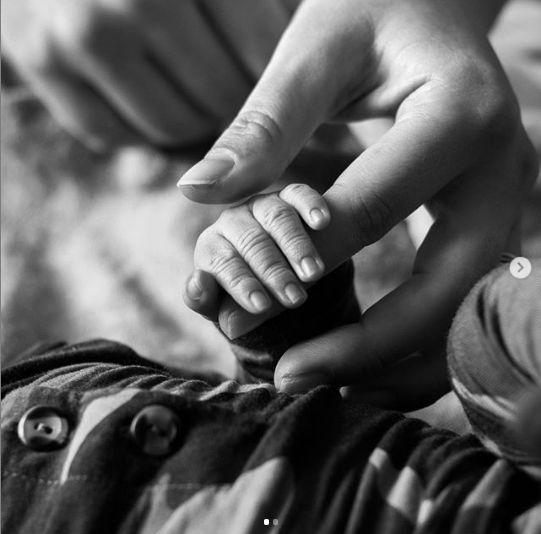 bebelusul s-a nascut in urma cu doua saptamani