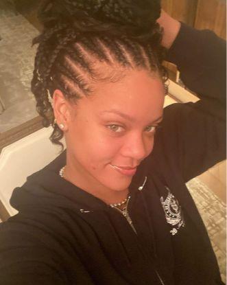 Rihanna, o frumusete naturala
