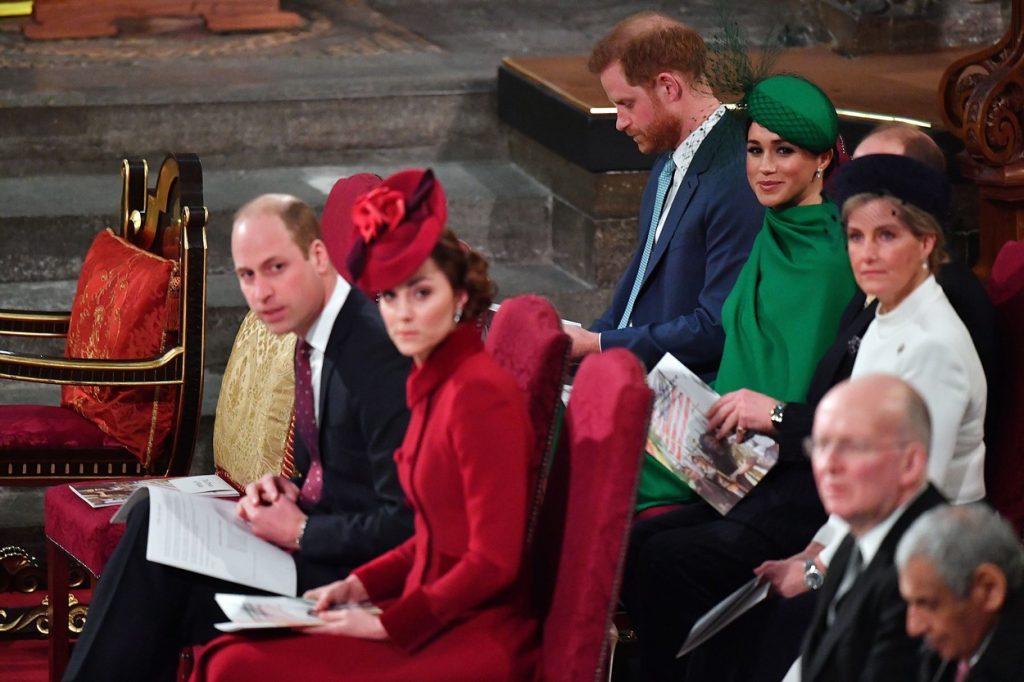 """Kate Middleton și prințul William, aspru criticați de fani: """"Arată dureros. Nu aşa îţi întâmpini fratele când îl vezi pentru prima dată…"""