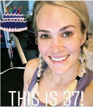 cantareata Carrie Underwood s-a pozat nemachiata cand a implinit 37 de ani