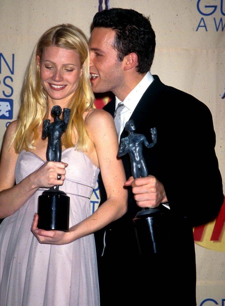 tineri si frumosi, in anul 2000