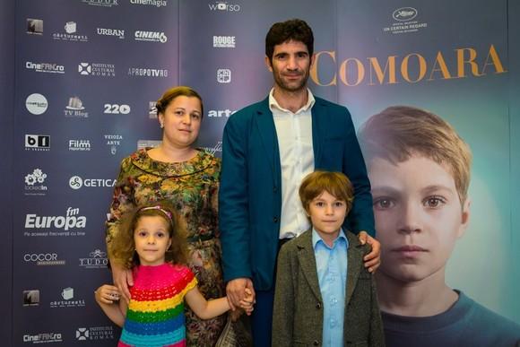 Toma Cuzin si familia lui
